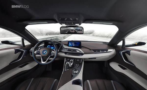 CES_2016_-_BMW_i8_.jpg