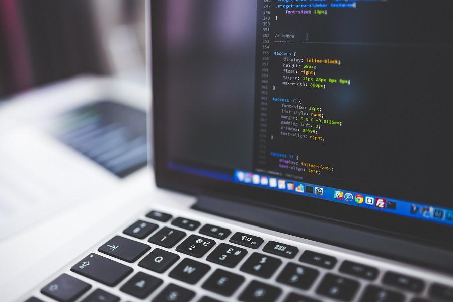 Mai mult de 50% din costurile pentru dezvoltarea software reprezintă costuri de întreținere.