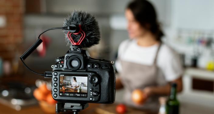 vlog blogger